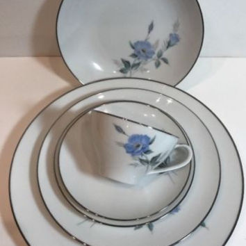Noritake China Sylvia 6Pc. Place Setting Japan Vintag Blue Flowers Platinum Trim