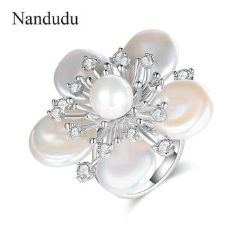 Nandudu Real Nature Freshwater Pearls Flower Ring for Women Jewelry Collection Artwork Romantic Fashion Accessories Gift R1892