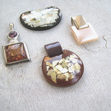 Vintage Resin Shell Charm Pendant Lot of 4, Assorted Retro Jewelry Supply Statement Bold Charm Pendant Natural Earth Tone, 70s Style Jewelry