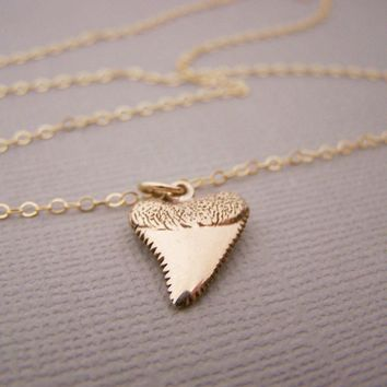 Shark Tooth Necklace -  Gold Filled Shark Tooth Charm Pendant 14k Gold Filled Necklace / Gift for Her / Simple Jewelry