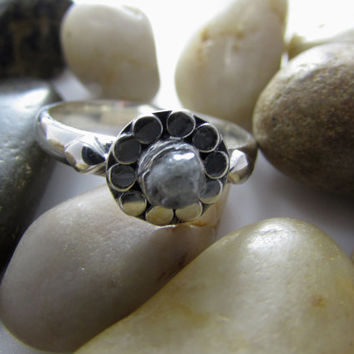 Silver Sterling 0.5 ct. uncut diamond, rough diamond, raw diamond Flower ring