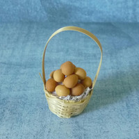 Miniature chicken egg basket Tiny egg Dollhouse miniatures/ Fake food / Mini egg / miniature items