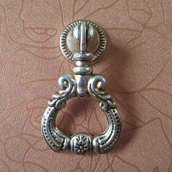 Antique Silver Dresser Drawer Pull Handles Knob Metal Drop Ring Pulls / Shabby Chic Vintage Style Cabinet Handle Pull Knobs Hardware 104