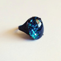 Blue Glitter Ring Vintage Domed Glass Cabochon Antiqued by skeptis