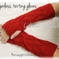 CUDDLE LOVE  fingerless gloves - red