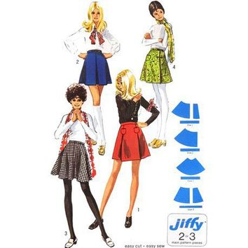 Vintage 70s Sewing Pattern Mini Skirt Pleat by mysweetiepiepie