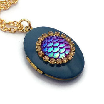 Mermaid Necklace, Enamel Oval Locket, Sea Creature Jewelry, Fish Scales, Gold Necklace, Ocean Lover Gifts, BFF Present, Teenager Gifts Ideas
