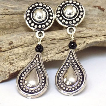 Silver Earrings for Women, Teardrop Earrings, Comfortable Clip on Earrings, Short Earrings, Perfect Gift for Mom, Handcrafted Jewelry