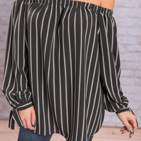 Too Chic To Beat Top, Black-White