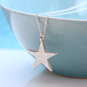 Silver Star Necklace With Stripey Texture