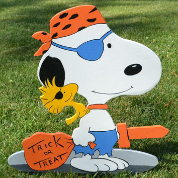 Snoopy and Woodstock from Peanuts gang on Halloween lawn stakes lawn art yard art decorations