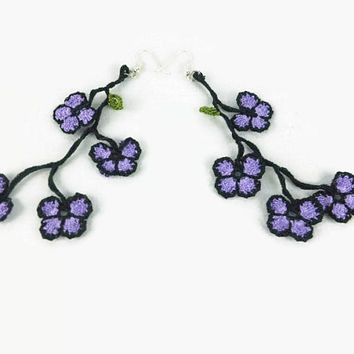 ON SALE Extra Long Dangling Oya Flowers crochet earrings, Lavender  and Black, Statement earrings, Fun earrings, Fiber Jewelry, Boho earring