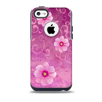 The Pink Vintage Flowers with Swirls Skin for the iPhone 5c OtterBox Commuter Case