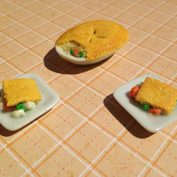 Miniature 1:12 Scale Chicken Pot Pie Dinner Set