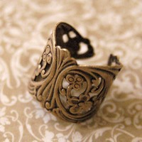 Ornate Brass Ring - $14.50 : RagTraderVintage.com, Vintage Reborn!