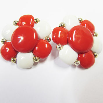 Vintage Red and White Flower Clip on Earrings  Flower Power Plastic Earrings