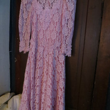 Gorgeous Vintage Cachet Bari Protas   Pink Chantilly Lace Dress