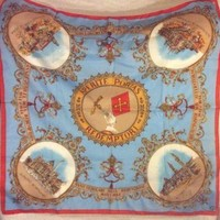 DCCK2JE LARGE BEAUTIFUL GUCCI SCARF MADE IN ITALY 30x30