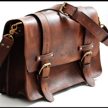 Leather Bag messenger style in Large - Chestnut