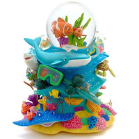 Disney Store Finding Nemo Deluxe Musical Snowglobe New with Box