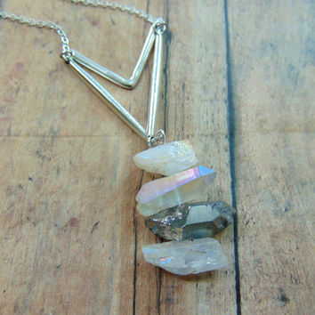 Crystal Pendant Necklace Arrow Necklace Silver Quartz Crystal Necklace Modern Minimalist Jewelry Geometric Necklace Chevron Necklace