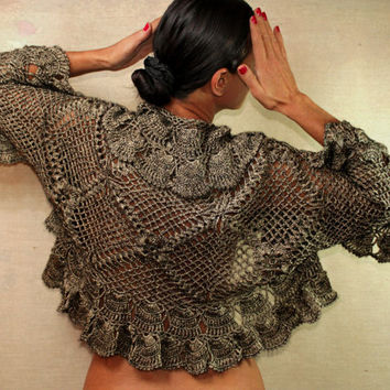 Her Highness' Breeze / Crochet Charcoal Black Shrug by lilithist