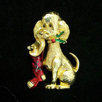 Gerrys Christmas Puppy Dog Pin, Stocking in Mouth, Holiday Gold Tone Figural Brooch, Enamel Highlights 1117