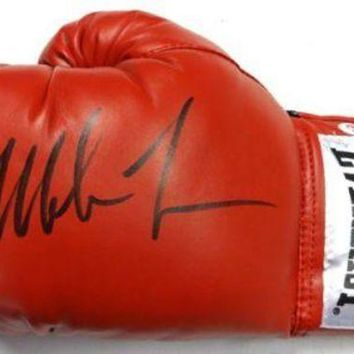 ONETOW Mike Tyson Signed Autographed Everlast Boxing Glove (PSA/DNA COA)