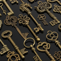 1 set of 69 vintage Retro old look keys pendant alloy special DIY jewelry accessories for necklaces bracelets anklets