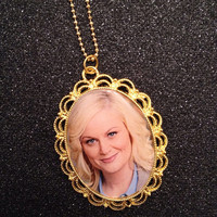 Leslie Knope Gold Pendant Cameo Necklace (Parks and Rec) Amy Poehler