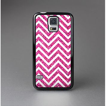 The Pink & White Sharp Glitter Print Chevron Skin-Sert Case for the Samsung Galaxy S5