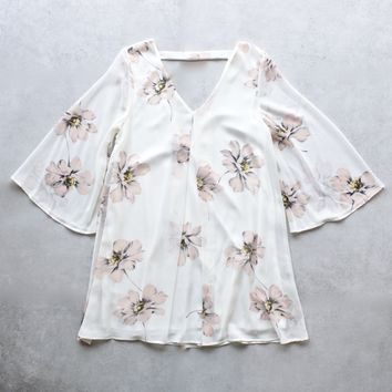 soft floral bell sleeve chiffon shift dress