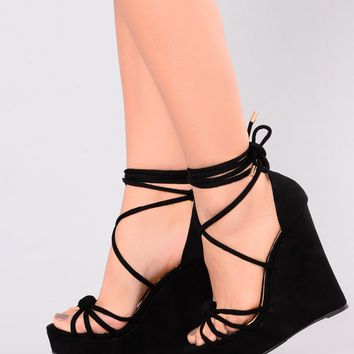 Valora Wedge - Black