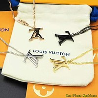 Louis Vuitton Populat Women Men Simple LV Letter Pendant Couple Necklace Jewelry