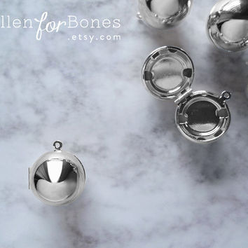Silver High-shine Sphere Locket Round Pendant Circle Snitch Jewelry Supplies ∙ 1pc