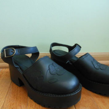 Vintage 1990's black, leather, chunky, platform, Steve Madden mary jane style shoes.  goth//grunge//loli//kawaii