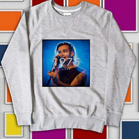 KemisJumeat Design Sweatshirt the 1975 band screenprint