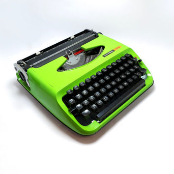 1970s Retro Lime Green Privileg 300 Portable Manual Typewriter in Full Working Order. Including Plastic Carry Case.