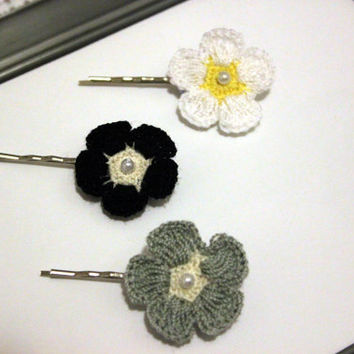 Crochet bobby pin set hair pin crochet flower hair clip crochet girls hair accessories in Black, Grey, White