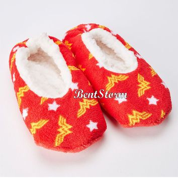 Licensed cool DC  Wonder Woman Soft Slippers Socks Red Yellow Logo Stars ladies S/M NWT