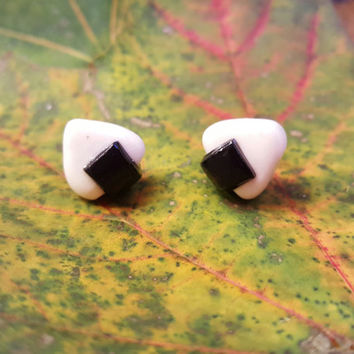 Onigiri (Rice Ball) Polymer Clay Stud Earring