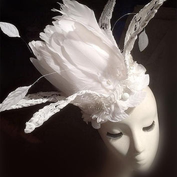 Wedding Party Carnival Races Feather Millinery Fascinator lady Hat White