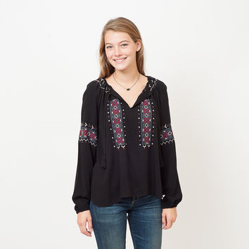 Cupcakes and Cashmere - Nivki Top