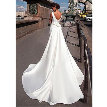 2017 Charming Bateau Neckline Mermaid Wedding Dress With Detachable Train vestidos de novia Draped Hard Satin Wedding Dresses