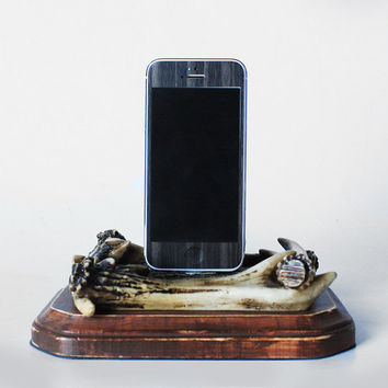 Antlers and Distressed Wood Western iPhone 5S, iPhone 5 Charging Dock - Docking Station - iPhone 5C