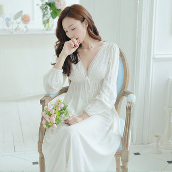 2017 New Retro Palace V neck Nightgown Female Age  Lace Cotton Long Sleeved White Sexy Women Nightgown