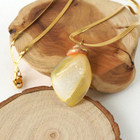 Yellow Jelly-Like Crystal Druzy Stone Necklace in Gold Stainless Steel Chain