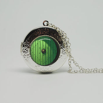 Silver Glass Locket Necklace with Inspired Lord by cnhbigadventure