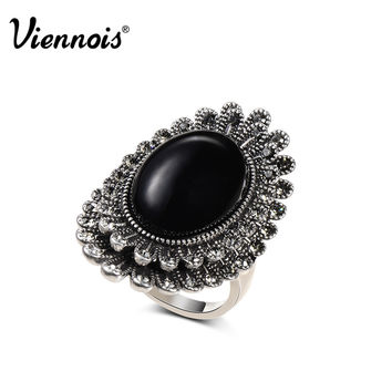 Lenora Jewelry Silver Plated Oval Flower Rings Black Simulated Pearl Austrian Rhinestone for Trendy Rings Alternative Measures VIENNOIS - Mother's Day Bride Wedding Gift
