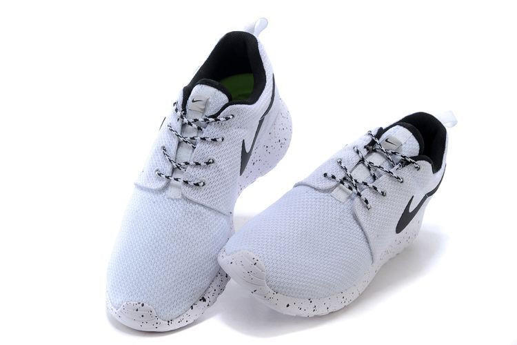 sale retailer 756a9 0b7fd n063 - Nike Roshe Run (Oreo Black White) from shopzaping.com